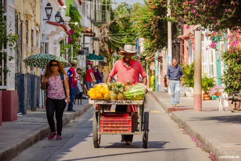 Fruit Vendor in Cartagena   Kontakt Films